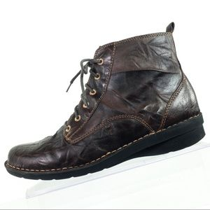 Clark's Ankle Boots Distressed Leather Lace Up